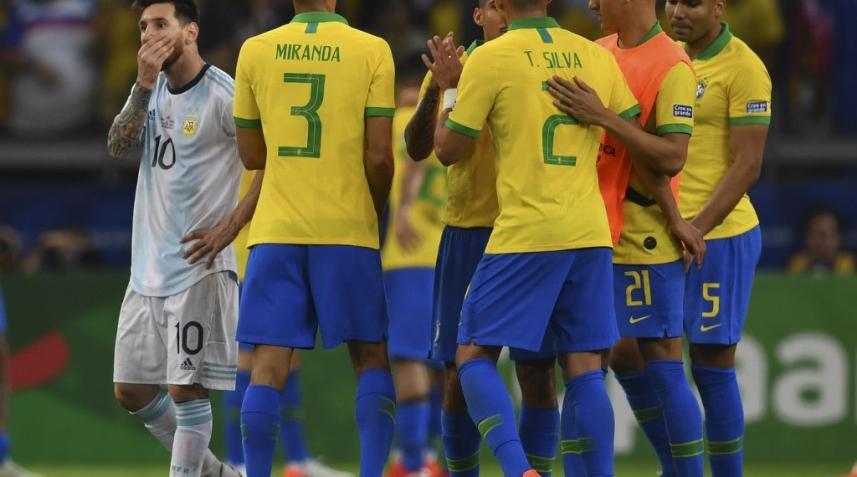 فرحة لاعبون المنتخب البرازيلي بالهدف الاول