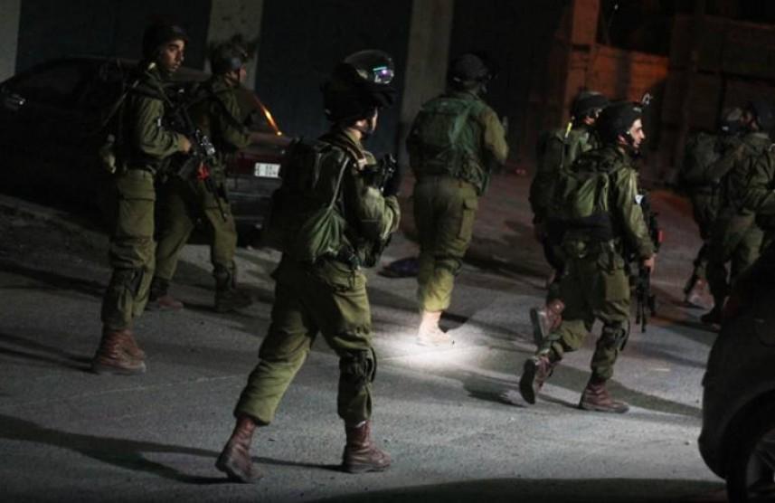 العدو يشن حملة اعتقالات