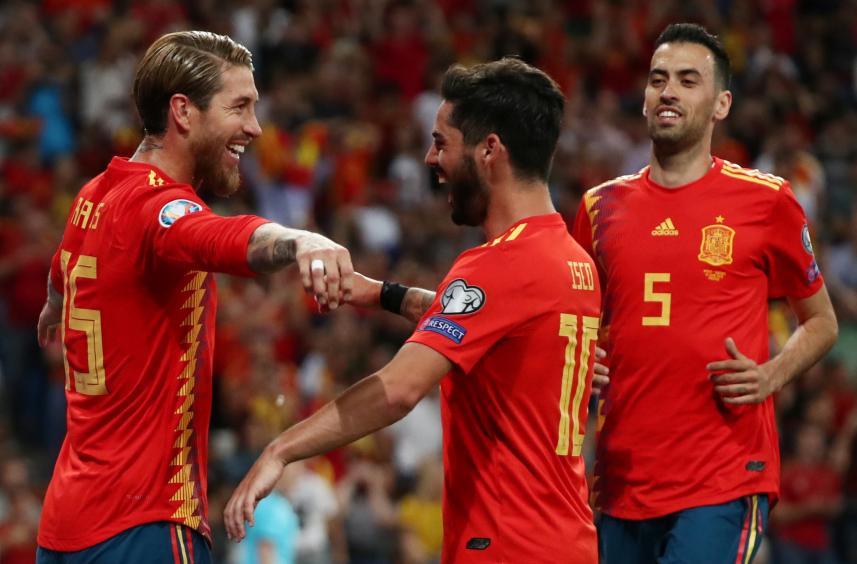 إسبانيا تهزم السويد