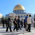 مستوطنون يقتحمون ساحات المسجد الاقصى