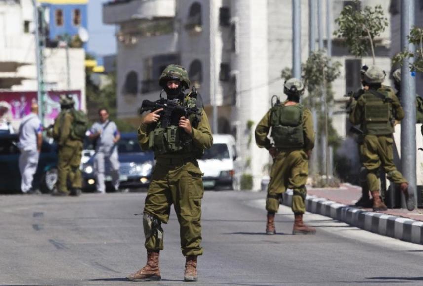 قوات الاحتلال تقتحم منزل الشيخ عكرمة