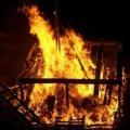 مستوطنون يضرمون النار