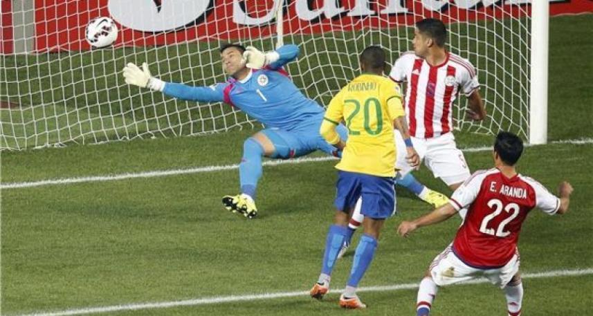 تسجيل روبينيو الهدف الأول للبرازيل