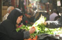 سوق الخضار في مخيم عين الحلوة بعدسة القدس للأنباء