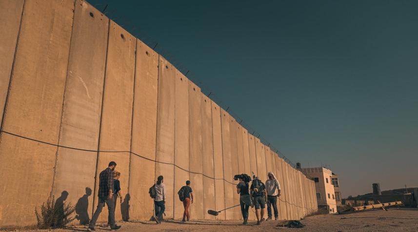 الجدار للداخل المحتل