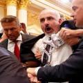 صحفي فلسطيني طرد من مؤتمر ترامب بوتين