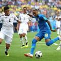 جانب من مباراة البرازيل وكوستاريكا