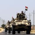الجيش المصري يقدم بتعزيزات عسكرية إلى سيناء