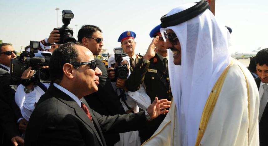الرئيس المصري عبد الفتاح السيسي وأمير قطر تميم بن حمد