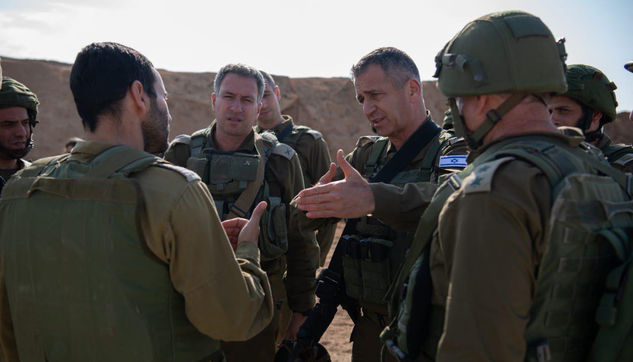 كوخافي على حدود غزة بشأن الأوضاع الأمنية